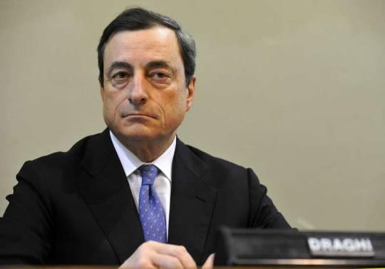 """Crisi, Draghi: """"Situazione gravissima"""" e Standard and Poor's declassa il fondo salva Stati"""