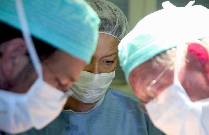 """Gorizia: Ginecologo isontino chiede 1.500 euro per aborti illegali, ma cade nella trappola delledelle """"Iene""""."""