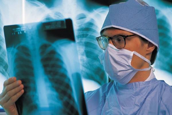 ESAMI GRATUITI DELLE OSSA DOMANI E DOPODOMANI NELLE PIAZZE MILANESI / Questa sarà la terza tappa del giro d'Italia per contrastare l'osteoporosi