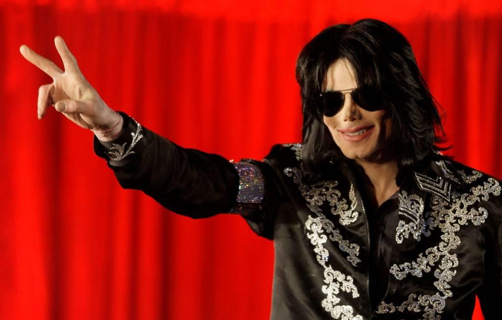 """""""Michael Jackson è ancora vivo"""": la prova nel selfie pubblicato dalla figlia –FOTO"""