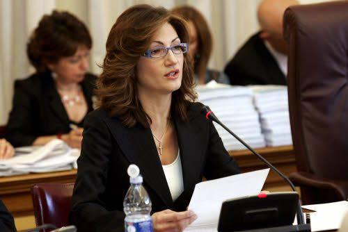 """Il ministro dell'Istruzione Gelmini attacca baroni e centri sociali: """"Strumentalizzate gli studenti"""""""