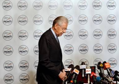 Mario Monti al momento della presentazione della sua lista e del simbolo elettorale (Foto: ALBERTO PIZZOLI/AFP/Getty Images)