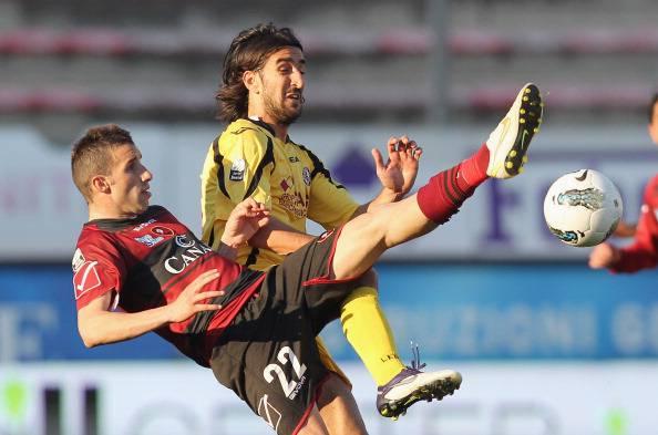Tragedia nel calcio: morto Morosini dopo un infarto in campo. Sospese Milan-Genoa e Udinese-Inter