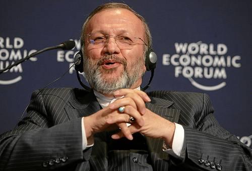 Iran: Ahmadinejad licenzia il ministro degli Esteri Mottaki