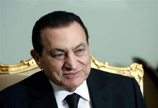 """Egitto: gravi le condizioni di salute di Mubarak. L'ex rais rifiuta le cure: """"Vuole morire nel suo Paese"""""""