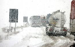 Maltempo: neve su autostrade del Centro e del Nord-Ovest, rallentamenti nell'A1 in Toscana
