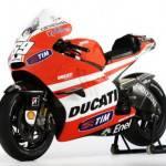 Valentino Rossi e Ducati Desmosedici correranno con carburante Shell V-Power fino al 2013