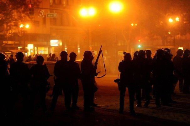 Usa, scontri ad Oakland: gli indignati prendono le distanze dai violenti
