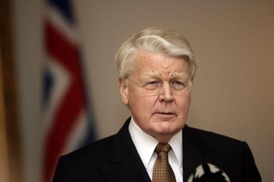 Islanda, il presidente non firma: sull'Icesave deciderà un referendum popolare