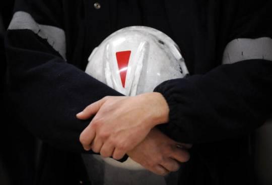 Morti bianche, operaio finisce sotto un macchinario a Firenze