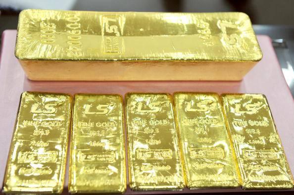 India: operato un commerciante con 12 lingotti d'oro nello stomaco