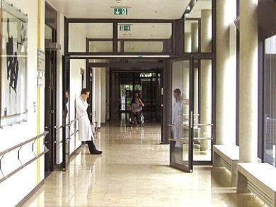 UBRIACO RIDUCE IN FIN DI VITA LA MOGLIE / Un cittadino romeno è stato arrestato dai carabinieri della Stazione di Fiumicino. La donna è stata ricoverata all'ospedale San Camillo di Roma
