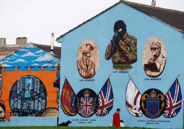 Esplosione a Belfast: investito veicolo della polizia. Nessun ferito
