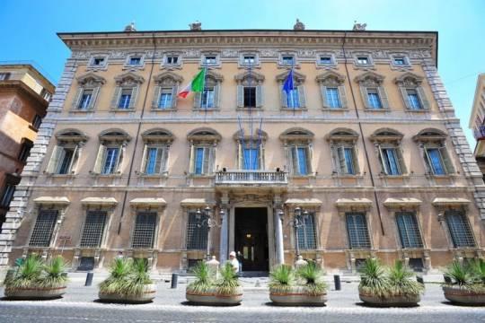 La guardia di finanza in senato per esaminare i conti for Il senato italiano