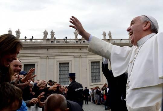 """Papa Francesco: """"Il Battesimo: giorno in cui si nasce nella Chiesa"""""""