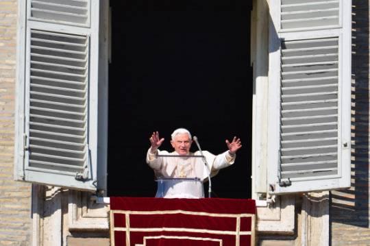 Dimissioni Benedetto XVI: la conferenza stampa di padre Lombardi