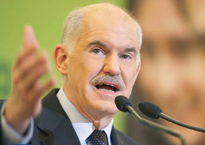 Grecia: Papandreou ottiene la fiducia, si prepara governo di unità nazionale