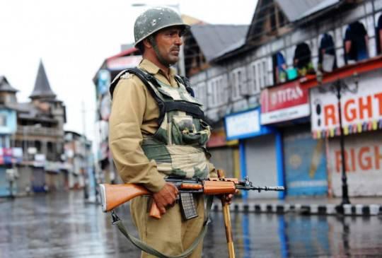 Kashmir: secondo giorno di coprifuoco. Resta alta la tensione dopo l'uccisione di quattro persone a Ramban