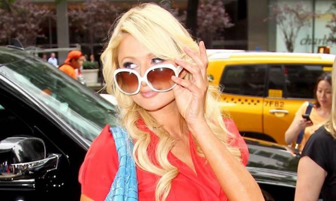 GOSSIP / Paris Hilton, ancora guai con la giustizia. L'ereditiera, citata da uno sponsor, rischia una multa di 35 milioni di dollari