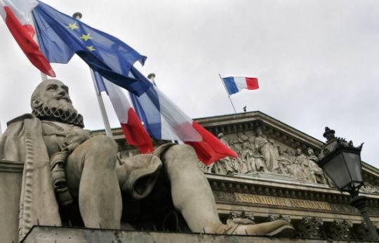 Francia: il 23 aprile il voto definitivo sulla legge per le nozze gay