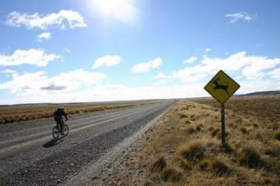 patagonia mountainbike 6 406x270 Patagonia: un gruppo di poeti in cammino per la difesa del territorio del Chubut