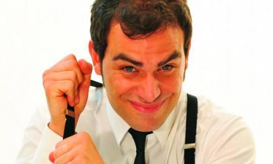 """Andrea Perroni: il comico torna in teatro con """"PERRONIMEPIACE!"""". A Roma dal 13 al 18 marzo"""