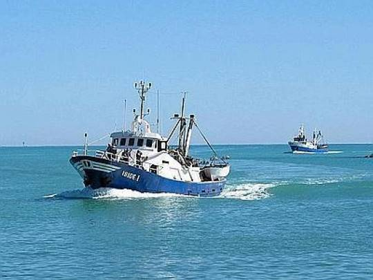 Lampedusa: scontro tra motopesca italiano e nave olandese. Tre italiani feriti lievi