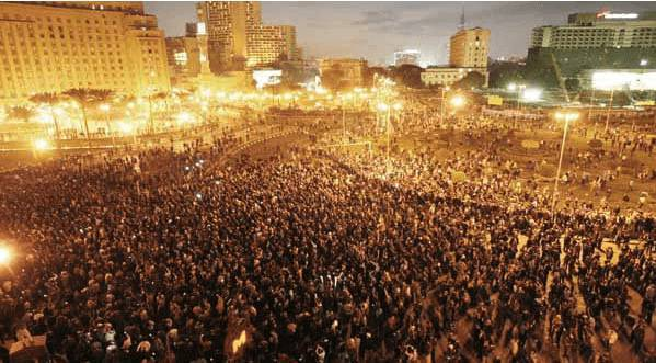 Caos in Egitto: scontri con la polizia in Piazza Tahrir, tre manifestanti uccisi