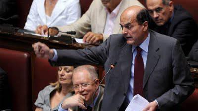 """Pier Luigi Bersani: """"Berlusconi si è dimesso ma non è scomparso"""""""