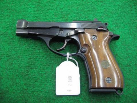 pistola1 478x358 La Campania teatro di morte lultimo giorno dellanno: proiettile uccide uomo a Casandrino