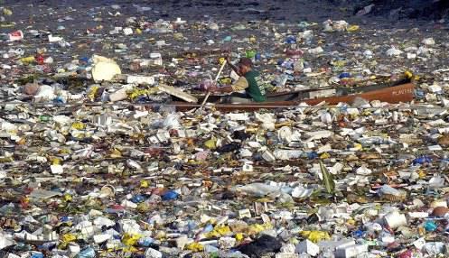 USA / Mar dei Caraibi, rifiuti di plastica formano una discarica galleggiante: è il doppio dell'Italia
