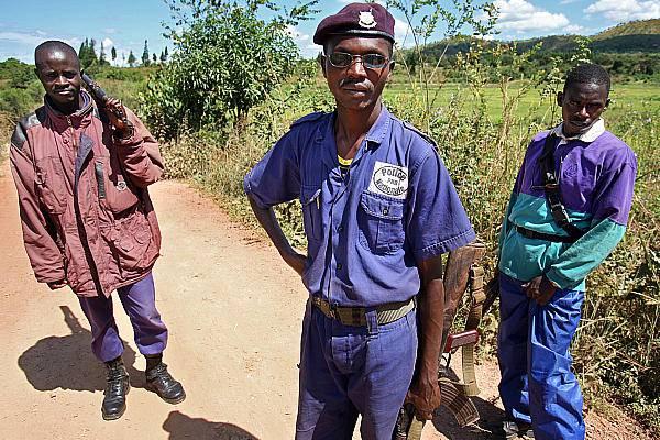 Burundi: fermate due persone per l'uccisione del cooperante italiano e della suora croata