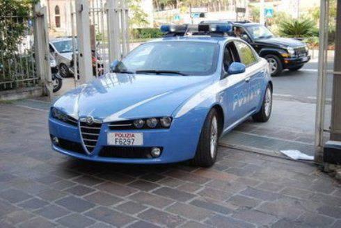 Napoli: rapina un distributore di benzina, fermato diciannovenne