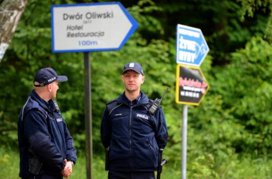Euro 2012: contro gli hooligans la polizia polacca schiera cani azzanna-testicoli