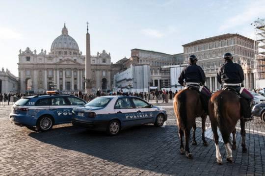 Nuove proteste dei Forconi, in due minacciano di darsi fuoco in Piazza San Pietro