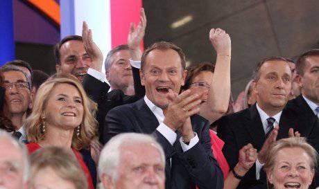 Elezioni in Polonia: Donald Tusk si riconferma premier, Janusz Palikot sorpresa anticlericale