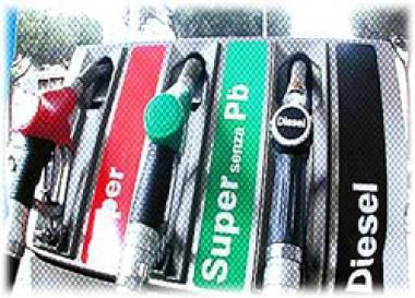 Carburanti: continua l'ondata di aumenti. Diesel oltre 1,48 euro al litro
