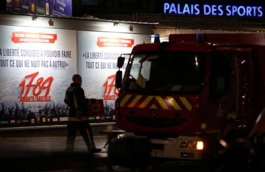 Parigi, esplosione nel Palazzo dello sport: 1 morto e 14 feriti