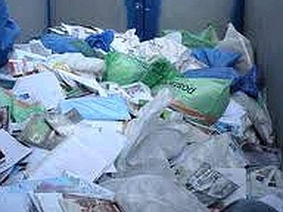Reggio Emilia: postino getta posta tra i rifiuti, denunciato