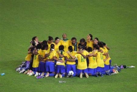 La Nike presenta la nuova maglia della Francia e quella del Brasile – Foto