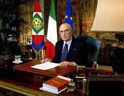 Crisi, Napolitano auspica un governo di larghe intese per mantenere gli impegni presi dall'Italia con l'Ue