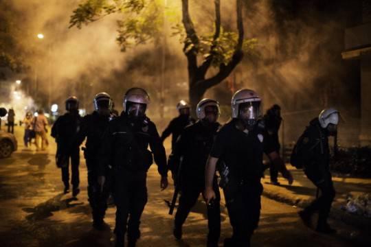 Turchia: notte di calma ad Istanbul. I manifestanti sono scesi in piazza ad Ankara