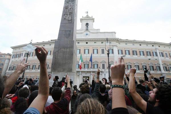 Proteste Università, gli studenti: i baroni sono i veri interlocutori della Gelmini