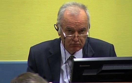 Processo Ratko Mladic: il boia serbo dinanzi al Tribunale dell'Aja, 11 capi di accusa per una sentenza a lungo termine