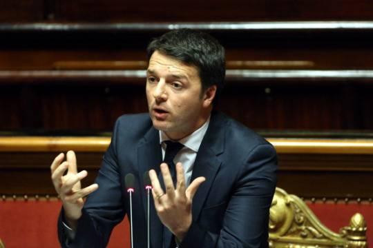 Renzi a Treviso, prima visita da premier con contestazioni