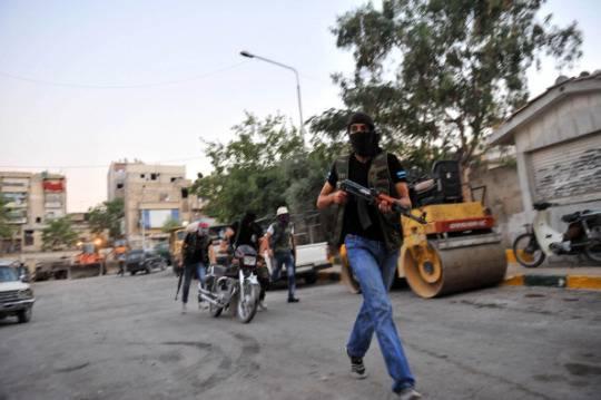 Scontri in Siria: i ribelli assaltano la tv di Stato ad Aleppo