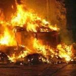 """Emergenza rifiuti a Napoli, ancora roghi nelle strade. La Russa: """"E' l'ultima volta che interviene l'esercito"""""""