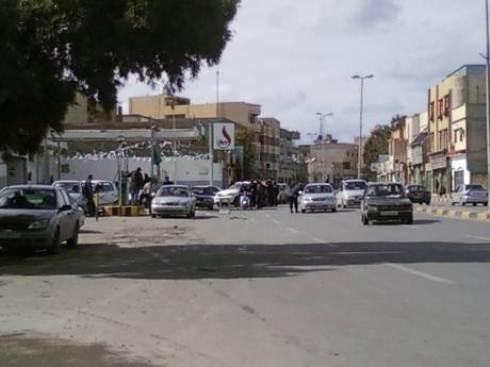 Rivolta in Libia: Gheddafi scatena squadroni della morte, a Tripoli scavate fosse comuni