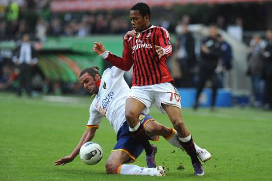 Calciomercato Milan, Robinho sacrificato per acquistare Van Persie?