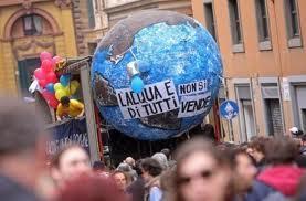 L'Italia manifesta a Roma contro il nucleare e la privatizzazione dell'acqua